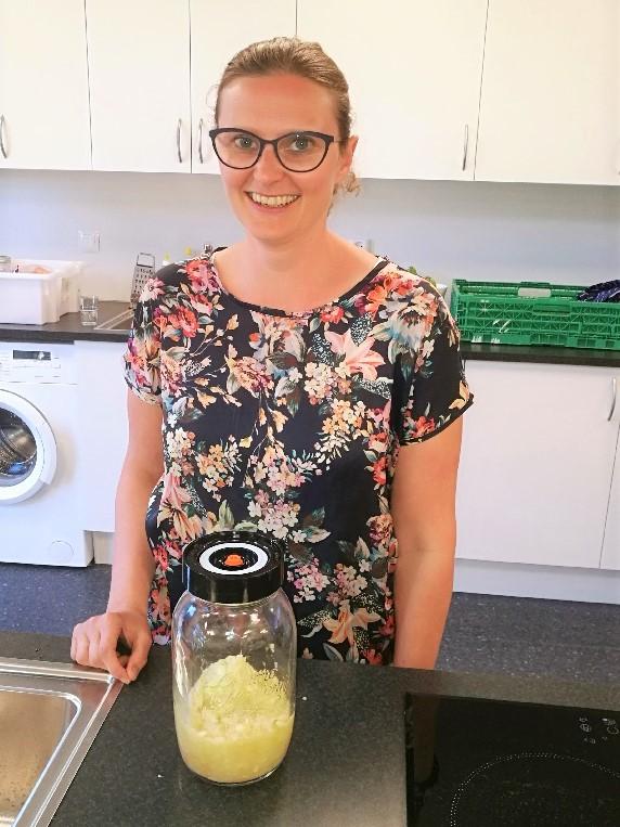 Trine Høgsveen holder blant annet kurs i fermentering